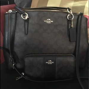 Coach Signature Carryall large+Zip Around Wallet